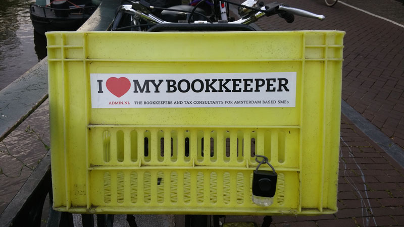 0204. www.admin.nl - I love my bookkeeper - sticker - fietskrat - bicycle crate - Fietsbakje licht geel - accountant - Amsterdam - AFAS.jpg