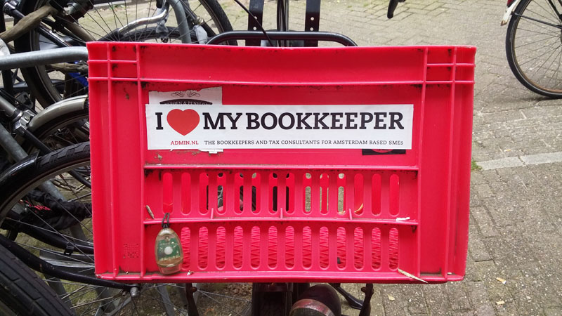 0258. www.admin.nl - I love my bookkeeper - sticker - fietskrat - bicycle crate - Fietsbakje roze rood - AGI - Tax credits - Standard deduction.jpg