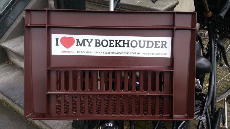 0273. www.admin.nl - I love my boekhouder - sticker - fietskrat - bicycle crate - Fietsbakje bruin - Abbey Tax - Herengracht - GAAPweb - accounting firm.jpg